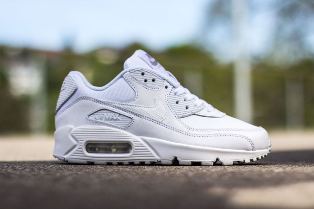 NIKE-AIR-MAX-90-GS-TRIPLE-WHITE