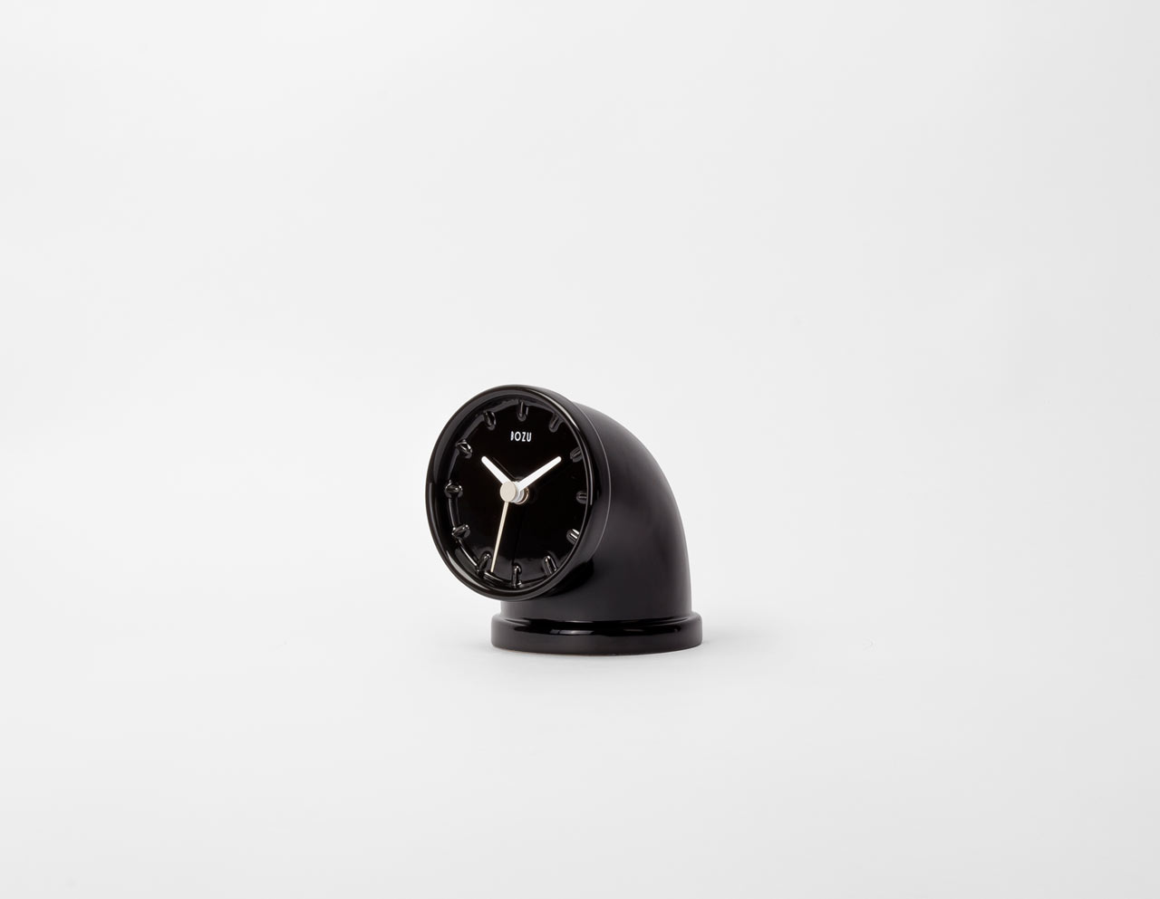plumber-pipe-inspired-clock-design-andrea bellotto-bozu-industrial