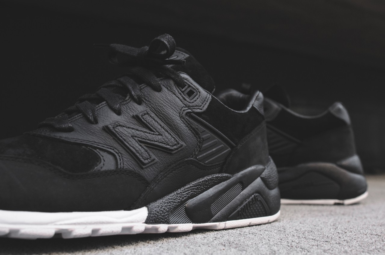 new-balance-wings-horns-mt580