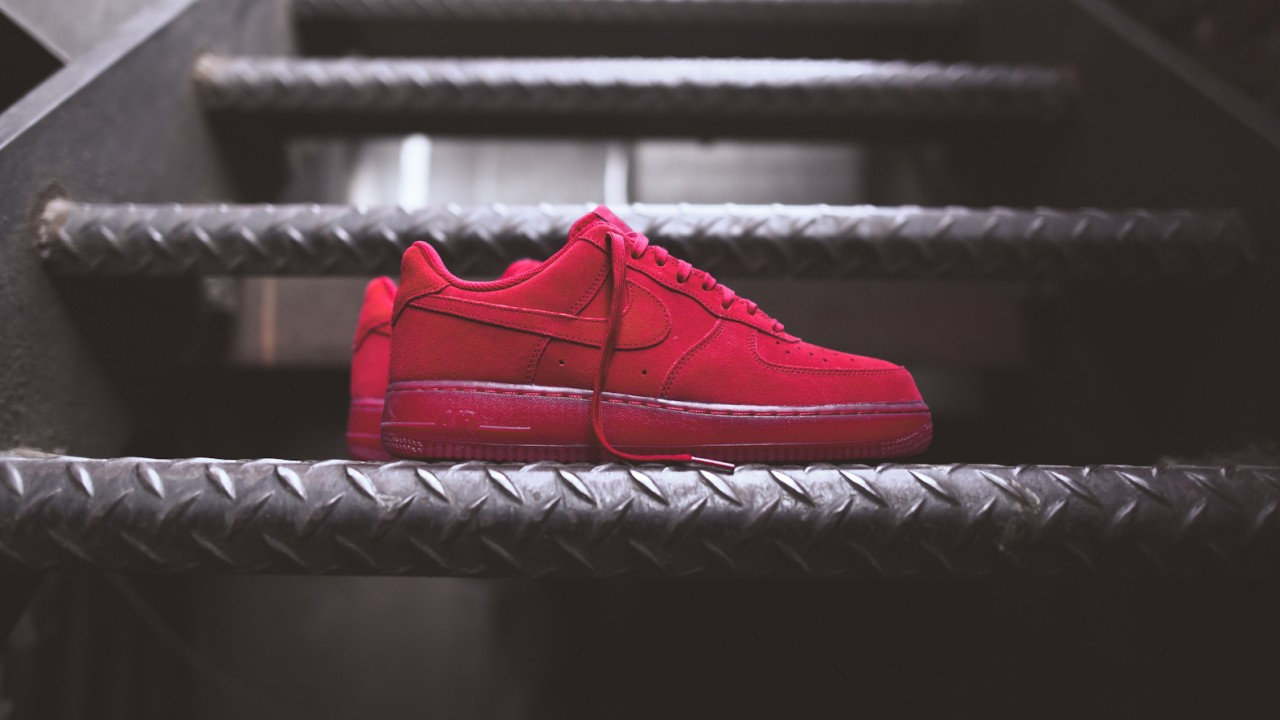 nike air force 1 red lv8 07