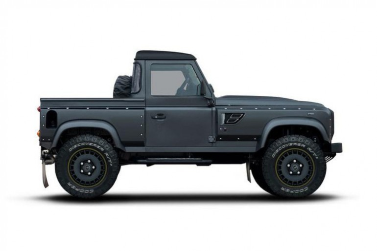 flying-huntsman-105-defender-pickup-by-kahn-design