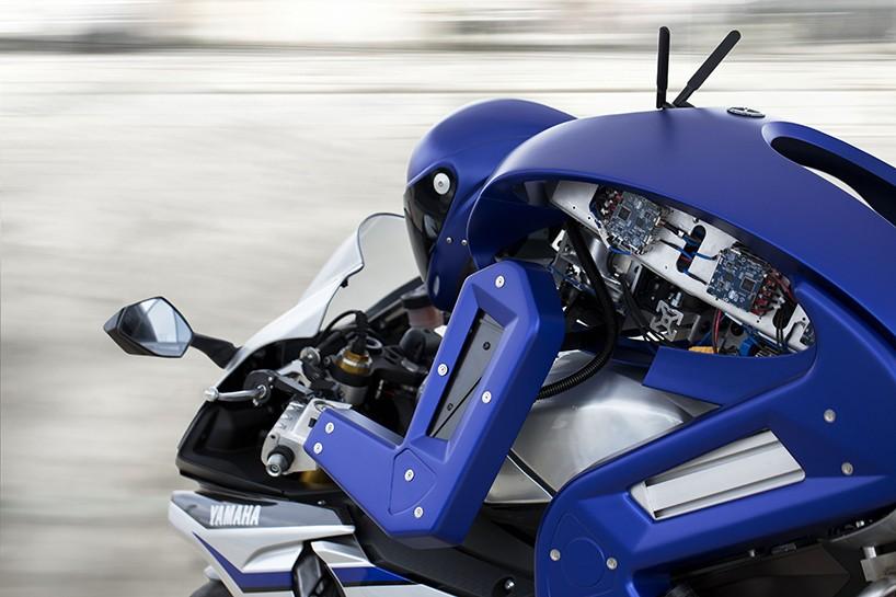 yamaha-motobot-ver1-motorcycle-robot