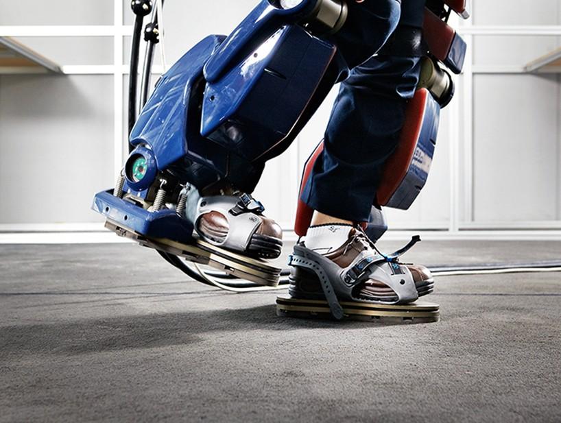hyundai-robot-exoskeleton